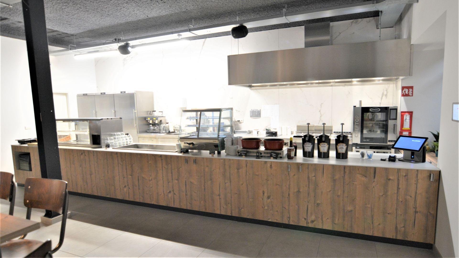 Bedrijfsrestaurant voor Dali de Klok